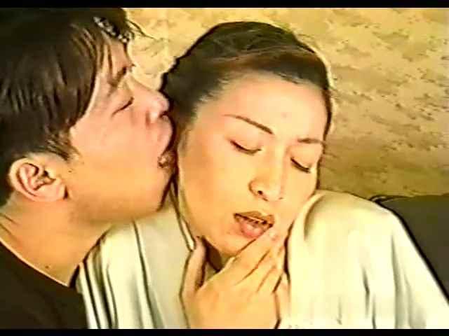 [20世紀の映像]昔懐かしの裏ビデオ ♥美形和服妻 ☆[レトロ]旧作「モザ無」発掘映像 Japanese vintage